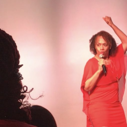 De 'Borah Fortune Stott on stage